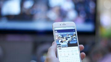 El publico que confia en la television y Facebook esta peor informado sobre la pandemia