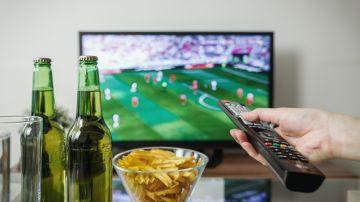 sofa sillon tv cerveza