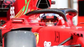 Carlos Sainz, a bordo del Ferrari