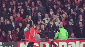 Eric Cantona en el partido frente al Crystal Palace. 1995