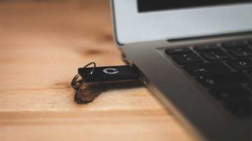 Crea un USB con el que recuperar la contraseña en Windows10