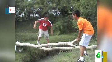 Así fue el primer viral de Youtube: el vídeo que catapulto a la fama a Edgar por su caída en un río