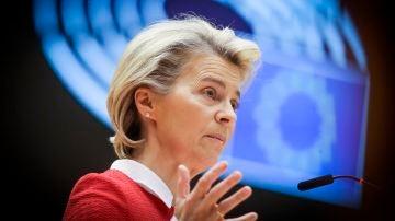 La presidenta de la Comisión Europea, Ursula von der Leyen, en el plenario del Parlamento Europeo.