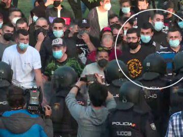 La Policía detuvo a dos escoltas de Podemos que participaron en los disturbios en el mitin de Vox en Vallecas