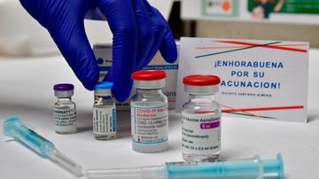 Cuatro vacunas diferentes covid-19