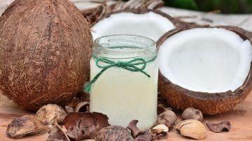 Para qué sirve el aceite de coco, cómo se usa y qué beneficios tiene