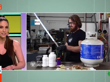 Las estrellas de la ingeniería que arrasan en YouTube con sus inventos: de espadas láser a pruebas de obstáculos para ardillas