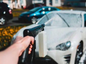 Descubre el mejor día para lavar el coche