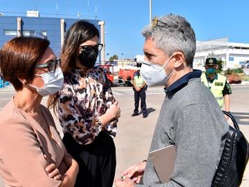 Marlaska se desplaza a Melilla para coordinar la llegada de 90 agentes que reforzarán la frontera con Marruecos