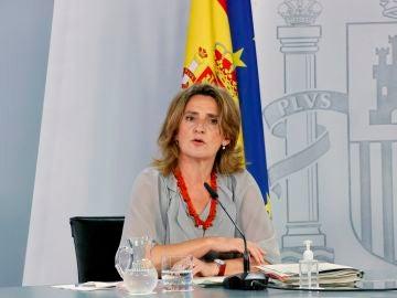El Gobierno prevé ingresar 1.000 millones de euros anuales tras reducir los beneficios de las eléctricas y bajar en un 15% la factura de la luz