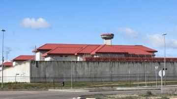 Exterior de la cárcel de Valdemoro