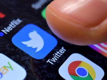 """'Twitter Plus', la versión """"mejorada"""" de la red social, ya es una realidad: estas son sus funciones"""