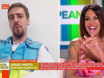 """El tonteo entre Lorena Castell y el sanitario viral Jorge Prieto en pleno directo: """"Quédate con mi cara"""""""