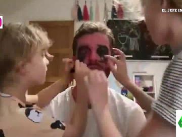 El padre que arrasa en las redes contando sin filtros como vive la paternidad con cuatro hijas