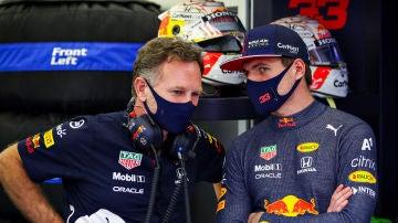 Christian Horner, con Max Verstappen
