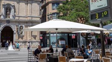 Imagen de archivo de una terraza de Zaragoza