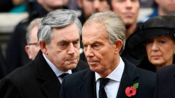 Los exprimeros ministros británicos Gordon Brown y Tony Blair en un acto, que apoyan la iniciativa de Save the Children