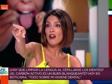 El inesperado momento en el que Lorena Castell interrumpe a Boticaria García al ver a una amiga en directo