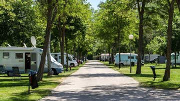 Vista del camping Fuentes Blancas, en Burgos
