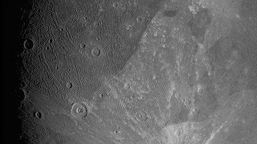 Imagen de Ganímedes tomada por el generador de imágenes JunoCam el 7 de junio de 2021