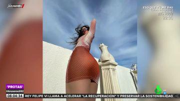 Rosalía vuelve a sorprender con un look imposible