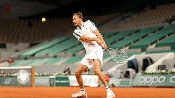 Daniil Medvedev, en el partido de cuartos de final de Roland Garros contra Stefanos Tsitsipas
