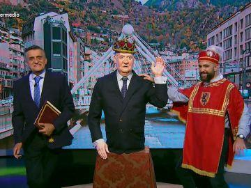 """Wyoming y Dani Mateo coronan a Juan Carlos I como nuevo rey de Andorra: """"Lo hará con el nombre de El Rubius II"""""""