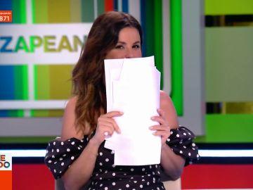 """La pillada de Dani Mateo a Marta Torné al arrancar Zapeando en directo: """"Tiene algo en la boca y no sabemos qué es"""""""