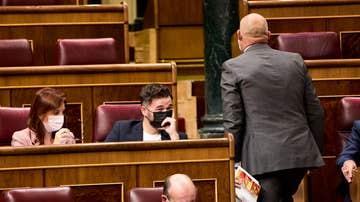 Los indultos dividen al Congreso: la derecha clama contra la medida de gracia y el PSOE pide no dudar del proceso de diálogo