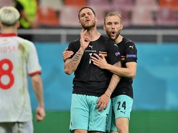La UEFA sanciona a Arnautovic por insultos racistas y sexistas