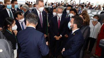 Aragonès no recibe a Felipe VI pero sí se saludan en un breve encuentro junto al presidente coreano
