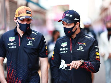 Max Verstappen y Checo Pérez , pilotos de Red Bull