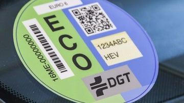 Etiqueta DGT: dónde se puede poner