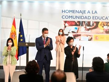 Sánchez prevé la vacunación de los alumnos de ESO y Bachillerato dos semanas antes del inicio de curso
