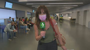 """La emoción de Mamen Mendizábal tras vacunarse contra el coronavirus: """"Esta vacuna va por los que no han llegado hasta aquí"""""""