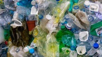 Imagen de archivo de residuos de plástico