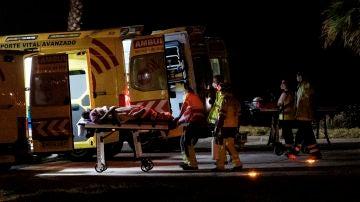 Rozando las 0.00 horas llegó un helicóptero del servicio de búsqueda y rescate (SAR) del Ejército del Aire al helipuerto del Hospital Doctor Negrín de Las Palmas de Gran Canaria