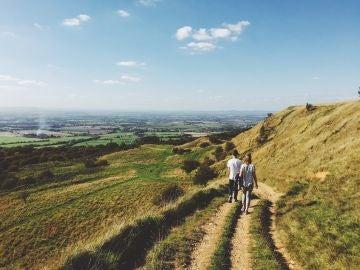 Ni 10.000 pasos ni 15.000: cómo y cuánto caminar realmente para mejorar tu salud y fortalecer tu corazón