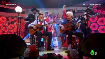 La espectacular actuación de Wyoming y Kiko Veneno en directo cantando 'Echo de menos'