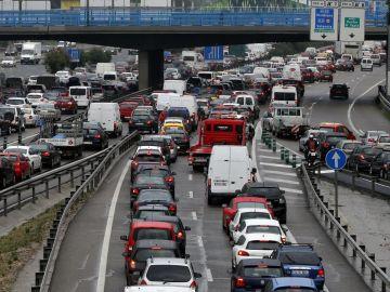 Carreteras concurridas en la operación verano