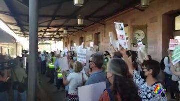Protesta en la estación de tren de Teruel