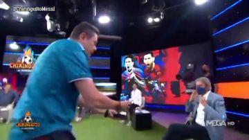 La colecta de Roncero en el plató de 'El Chiringuito' para que Messi renueve con el Barça
