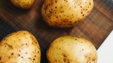 Cómo hacer patatas en el microondas