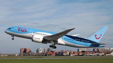 Un avión de la compañía holandesa TUI