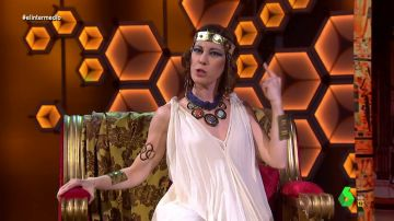"""El discurso de la 'faraona Ayuso' en El Intermedio: """"Soy emperadora neoliberal y libertadora de hosteleros"""""""