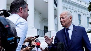 El presidente de EEUU, Joe Biden, atiende a la prensa