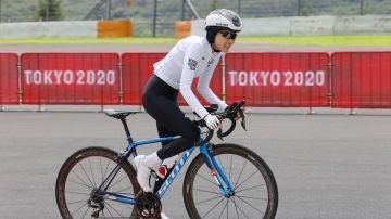 Perseguida y atropellada por querer ser ciclista, Masomah Ali Zada completa su debut en unos JJOO