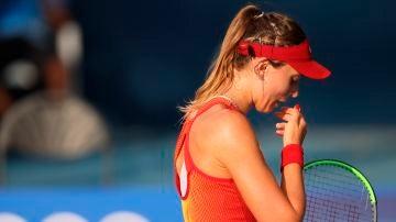 La tenista Paula Badosa se retira en cuartos de final por un golpe de calor