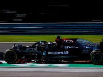 Pole número 101 de Lewis Hamilton