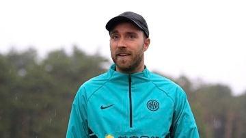 Eriksen reaparece por sorpresa al complejo deportivo del Inter